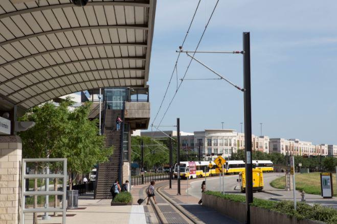 Las Colinas Station