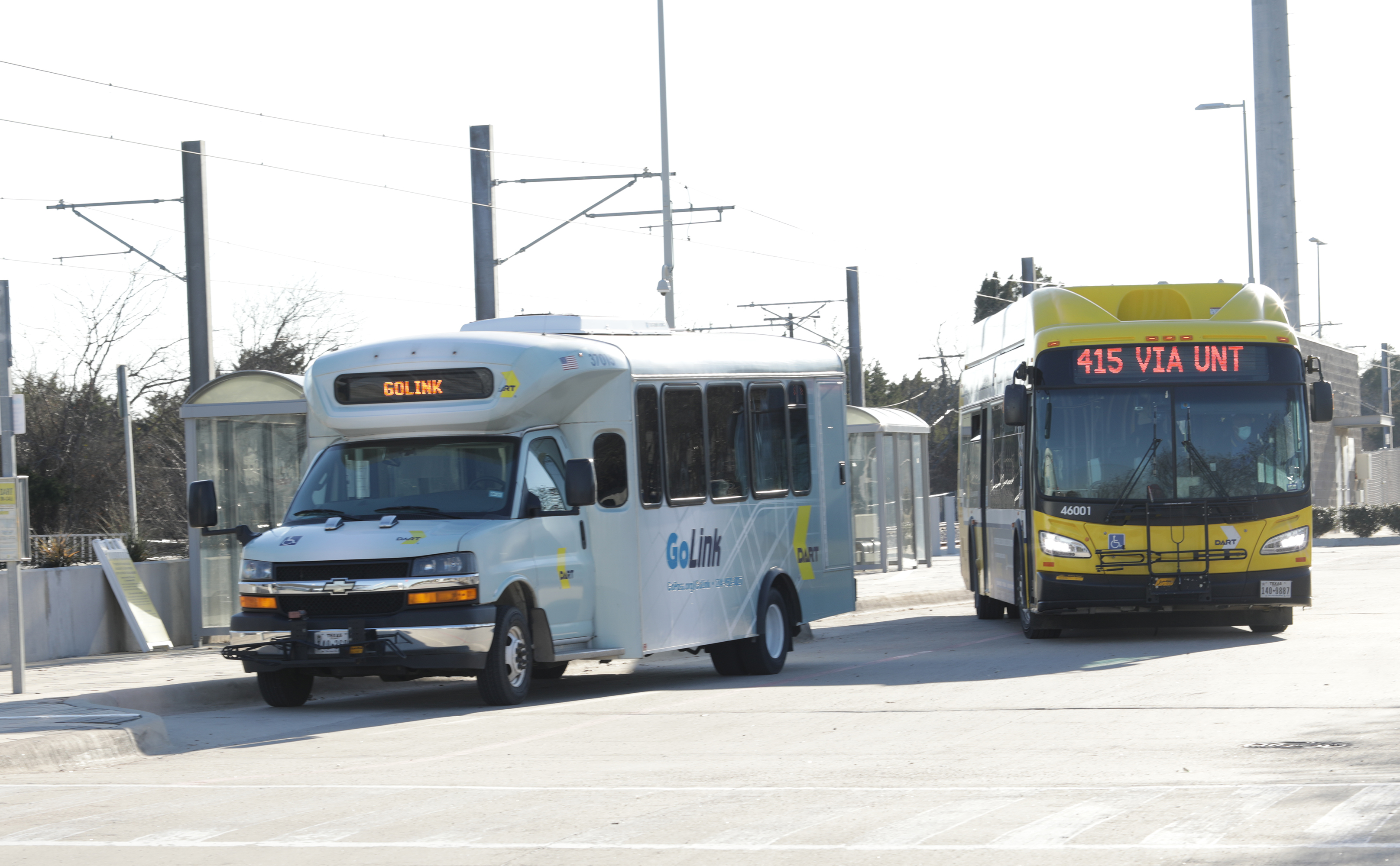 DART Bus and GoLink vehicles at UNT Dallas Station